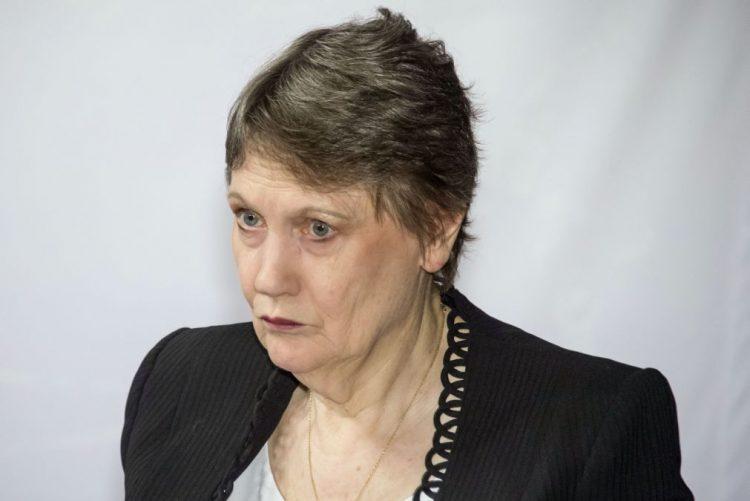 Ex-primeira-ministra neozelandesa Helen Clark abandona cargo na ONU