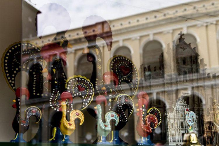 Galo de Barcelos na 'crista' do Ano Novo chinês, após anos como 'souvenir' em Macau
