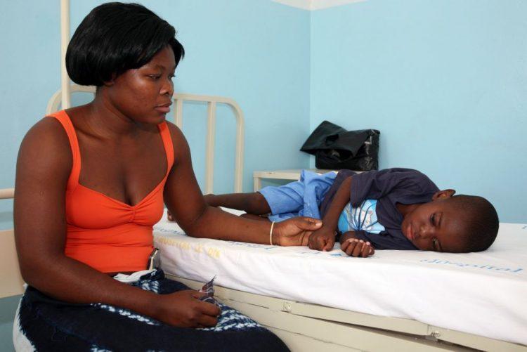Itália apoia assistência a crianças vítimas de sida em Moçambique