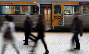 Última Hora: Suspensas greves de comboios