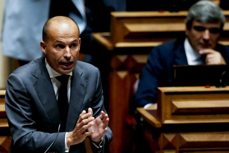 CDS-PP diz que responsabilidade de aprovação da redução do PEC é dos partidos que apoiam Governo