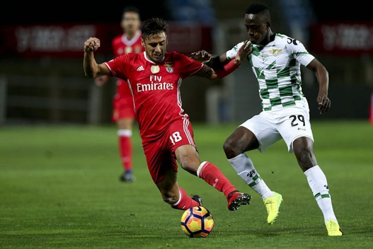 Moreirense vence Benfica e defronta Sporting de Braga na final da Taça da Liga
