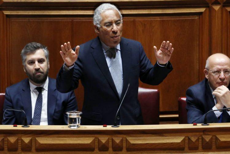 Costa anuncia programa para melhorar ligações entre zonas empresariais e autoestradas