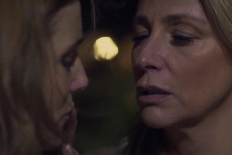 Alexandra Lencastre aos beijos na boca a Beatriz Batarda na noite de Lisboa