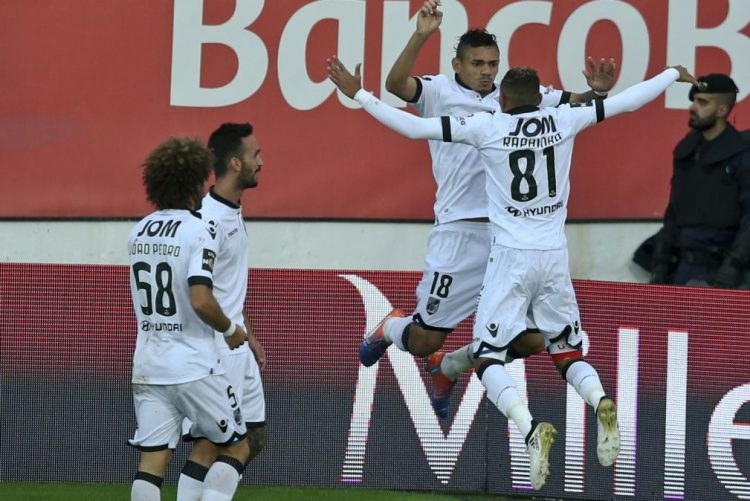 Vitória de Guimarães visita Boavista com olhos no quarto lugar da I Liga