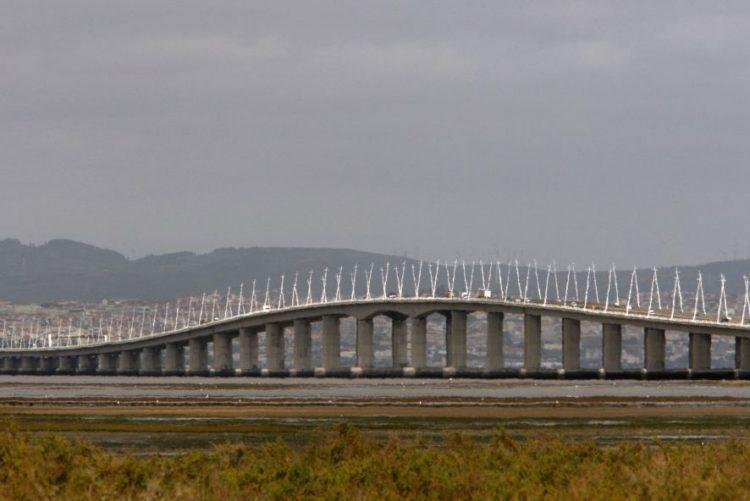 Homem morre atropelado quando mudava pneu na ponte Vasco da Gama, Lisboa