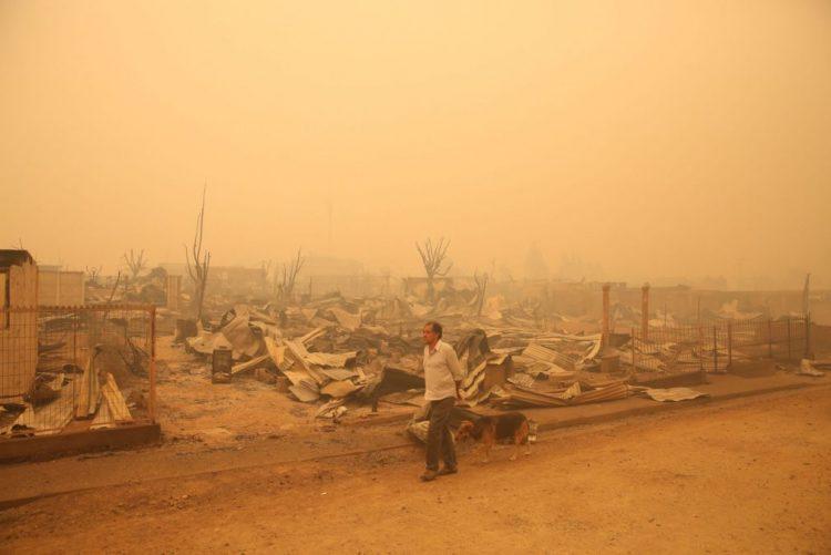 Mais de 9.000 pessoas combatem os incêndios florestais no Chile