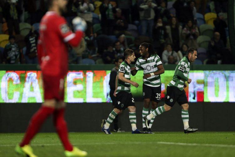 Sporting regressa às vitórias com triunfo sobre Paços de Ferreira