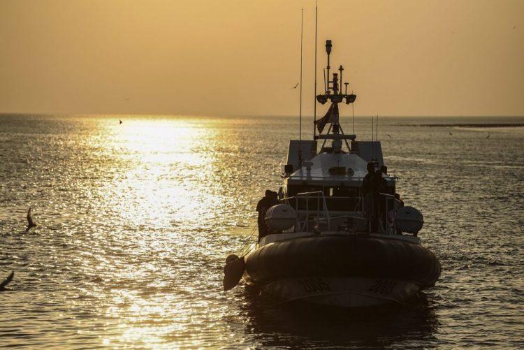 Barco com 31 pessoas, a maioria turistas chineses, desapareceu na Malásia