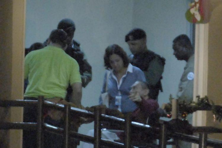 Noriega inicia prisão domiciliária temporária em casa de uma filha no Panamá