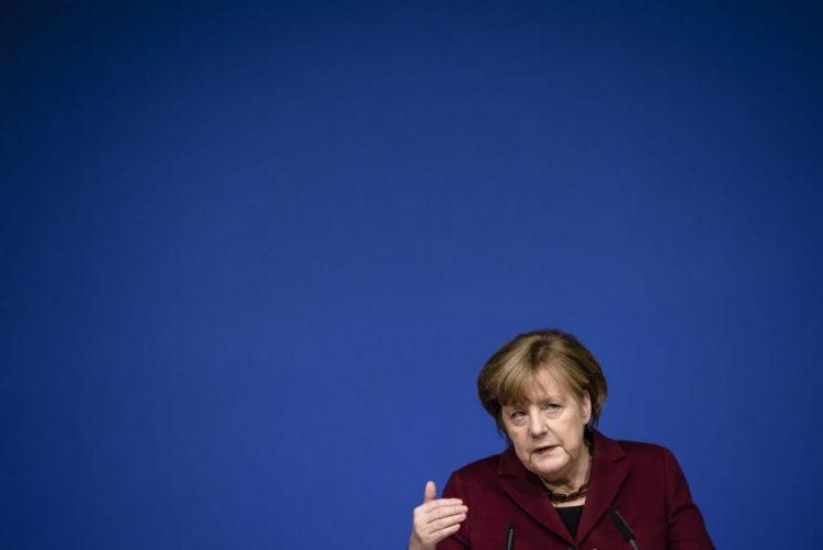 Chanceler alemã Merkel considera injustificadas restrições à imigração nos EUA