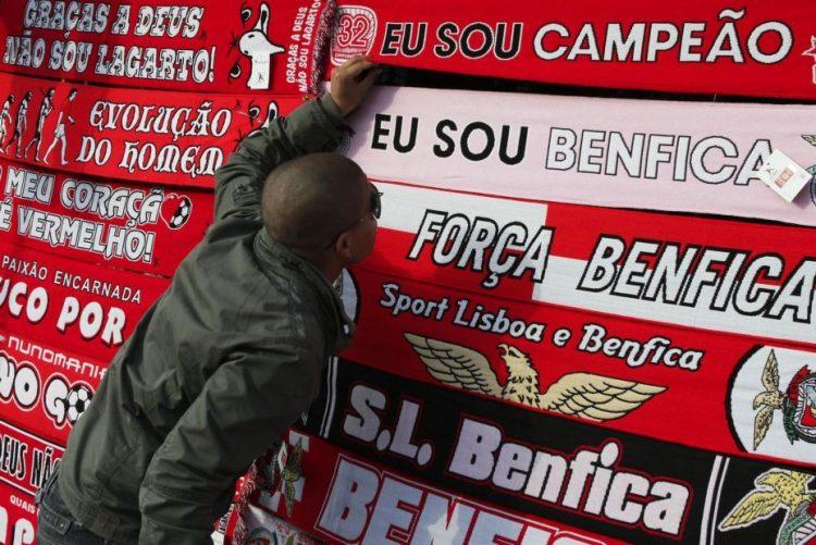 Benfica em Setúbal para tentar repor os quatro pontos de vantagem