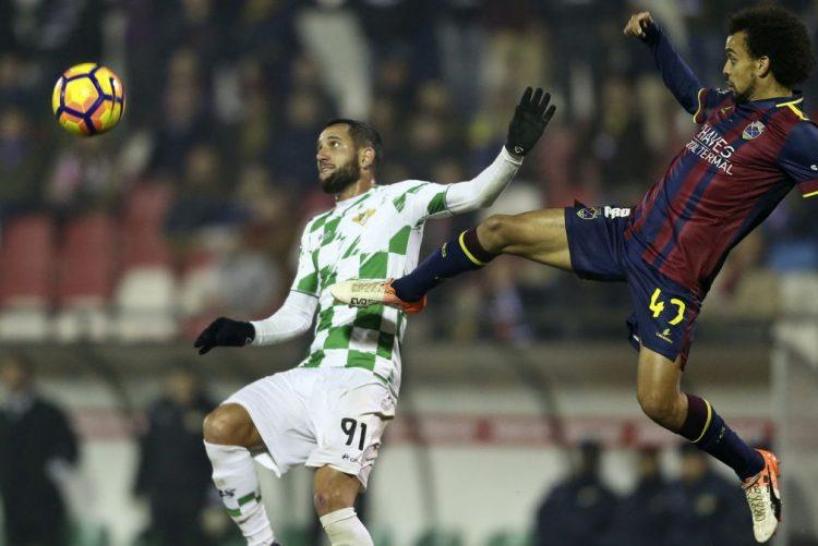 Desportivo de Chaves vence Moreirense com golo nos descontos de Rafael Lopes