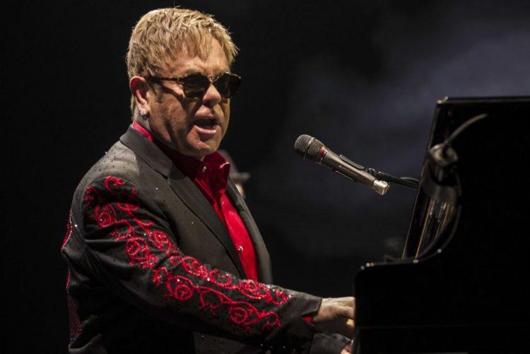 Elton John regressa a Portugal para um concerto em Lisboa