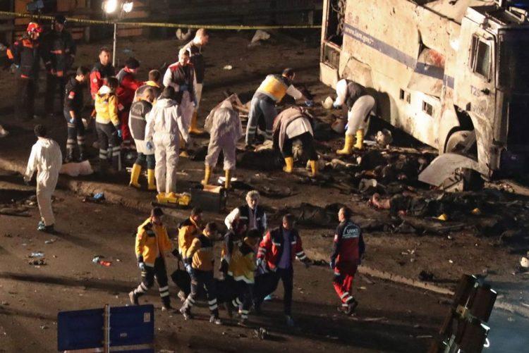 Ministro diz que Istambul sofreu dois ataques à bomba