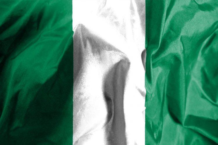 Colapso de teto de igreja na Nigéria mata 60 pessoas