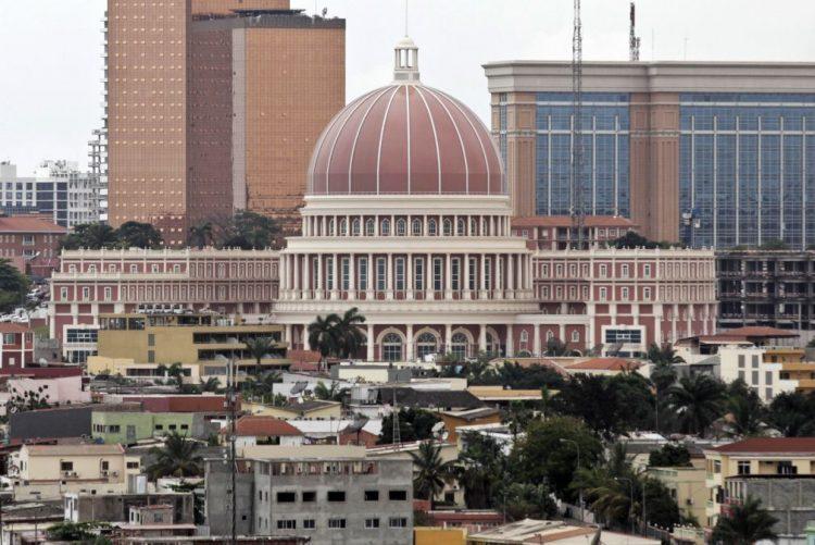 Recondução na Comissão Nacional Eleitoral criticada pela oposição angolana