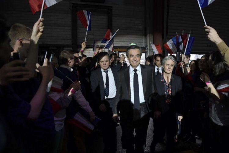 Polícia vai ao Parlamento francês à procura de provas para o caso Fillon