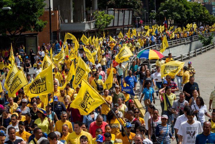 24 milhões de venezuelanos não ganham o suficiente para gastos básicos - estudo