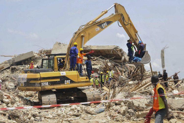 Balanço de mortos sobe para 160 após colapso do teto de uma igreja na Nigéria
