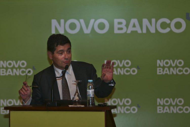 Novo Banco duplica maioria das comissões das contas à ordem a partir de abril