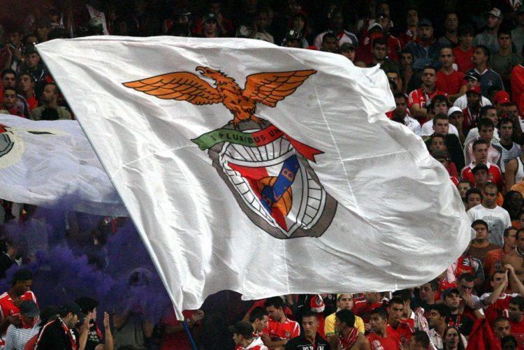 Benfica confirma encaixe de 15 milhões por Hélder Costa