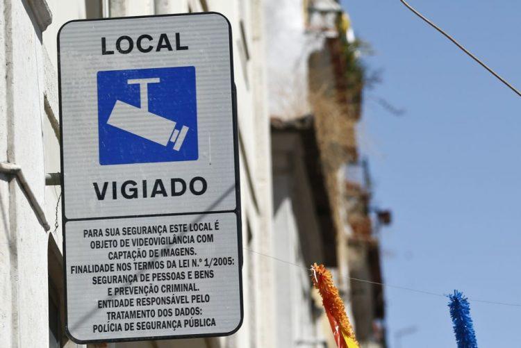 Câmara de Lisboa quer aplicar videovigilância em mais zonas além do Bairro Alto
