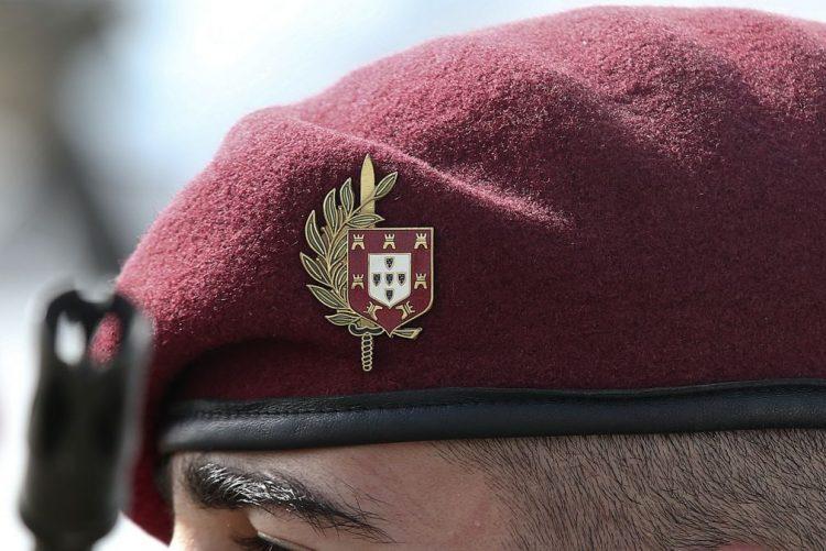 Militares alvo de processo judicial sem direito a assistência jurídica - ministro
