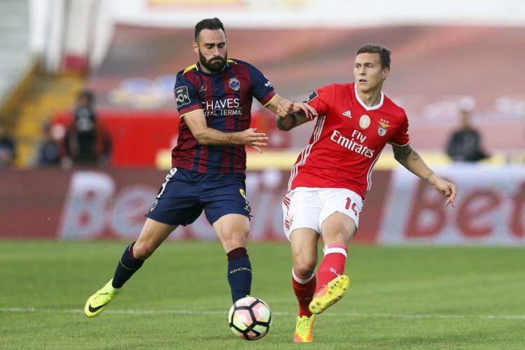 Rafa titular no Benfica, João Pereira e Ruiz são apostas no Sporting