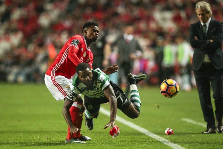 Benfica vence Sporting por 2-1 e reforça liderança da I Liga de futebol