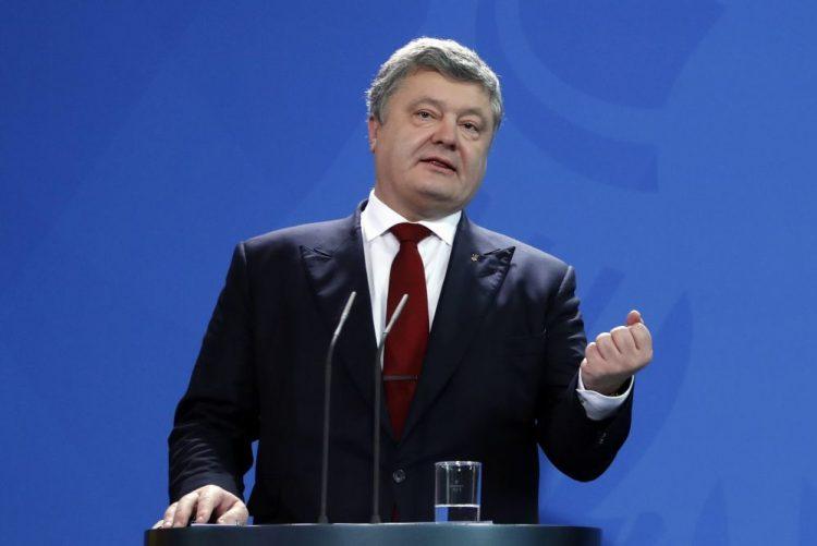 Presidente da Ucrânia quer organizar referendo sobre adesão à NATO