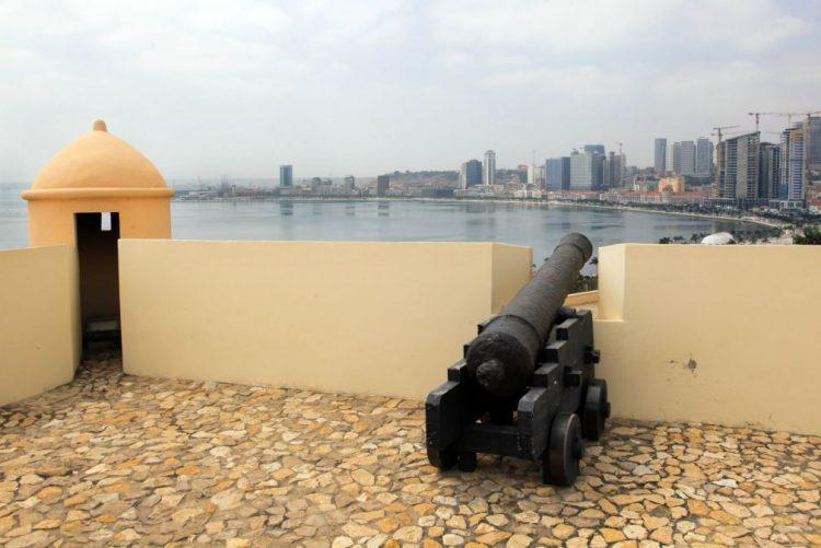 Indicadores económicos de Angola apontam para estagnação ou mesmo recessão - BPI