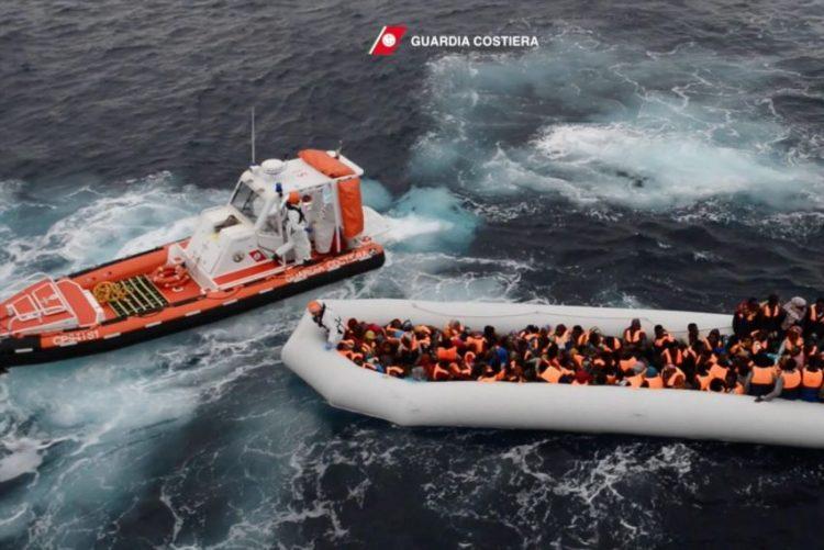 Seis pessoas morreram e 1.164 foram resgatadas no Mediterrâneo
