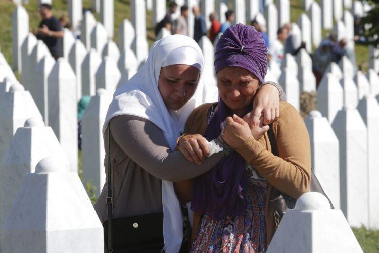 Sérvia inicia primeiro julgamento relacionado com massacre de Srebrenica