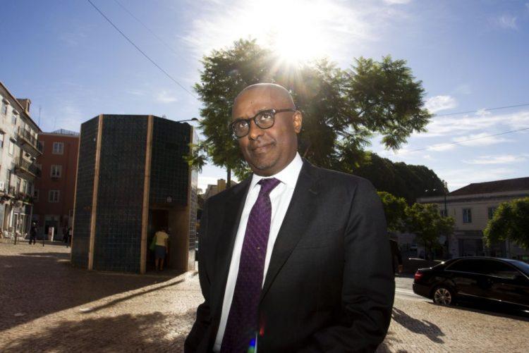 Diretor para África do FMI aborda com Governo angolano situação económica do país