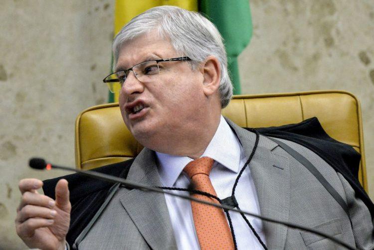 PGR do Brasil acusa presidente do Senado de corrupção e lavagem de dinheiro