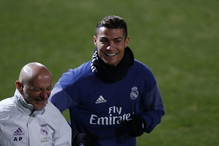 Cristiano Ronaldo conquista Bola de Ouro pela quarta vez