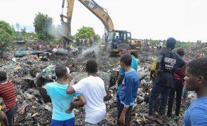 Sobe para 17 número de mortos no desabamento de lixeira em Maputo