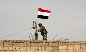 Forças pró-regime sírio entram no enclave de Afrine e suscitam reação turca