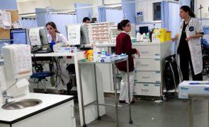 Cinco adultos e duas crianças levados para hospital após fuga de gás em Peniche