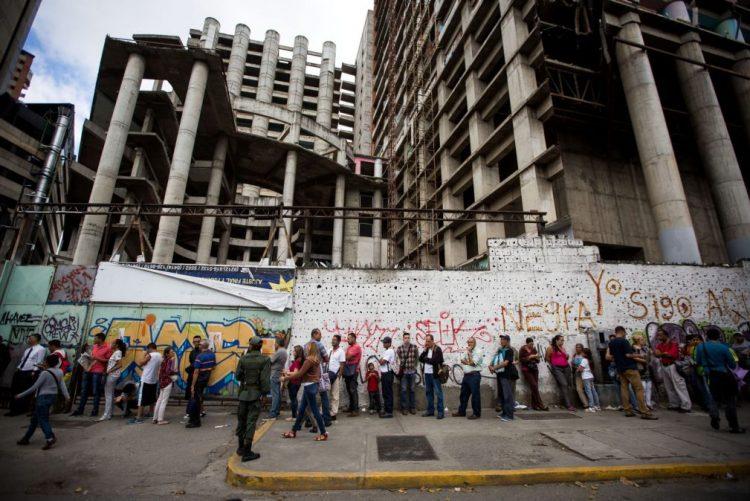 Parlamento da Venezuela responsabiliza Maduro por rutura constitucional