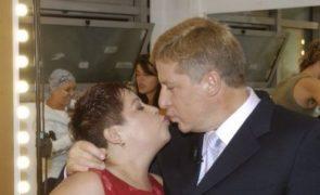 Herman José e Maria Vieira trocam «bocas» em público