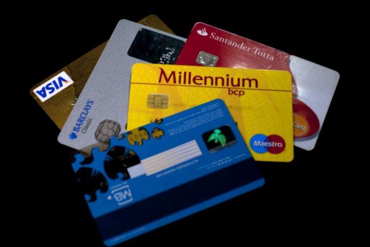 Detidas seis pessoas por contrafação de cartões bancários e burla informática