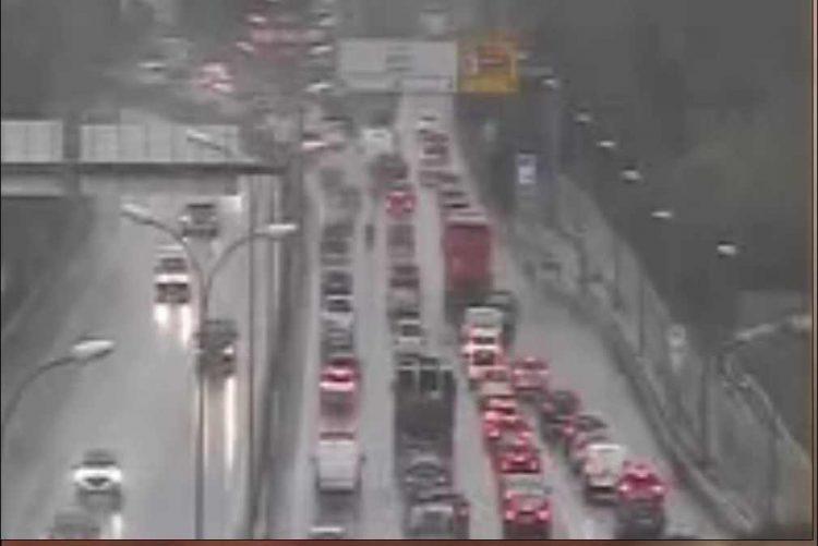 Trânsito condicionado devido a dois acidentes na ponte 25 de abril