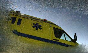 Mulher de 30 anos ferida após queda de 10 metros de automóvel em Odivelas