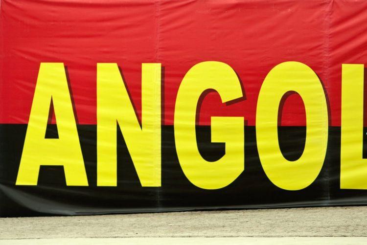 Polícia angolana reforça segurança em época festiva