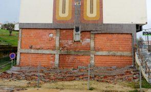 Demolição controlada de parede de prédio nas Caldas da Rainha prevista para segunda-feira
