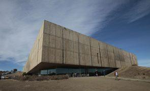 Museu do Côa acolhe duas centenas de peças do acervo do pintor Júlio Pomar