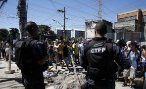 Confrontos com polícia em favela do Rio de Janeiro faz três mortos e quatro feridos