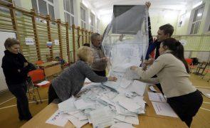 Putin reeleito para quarto mandato com 73,9% dos votos -- sondagem